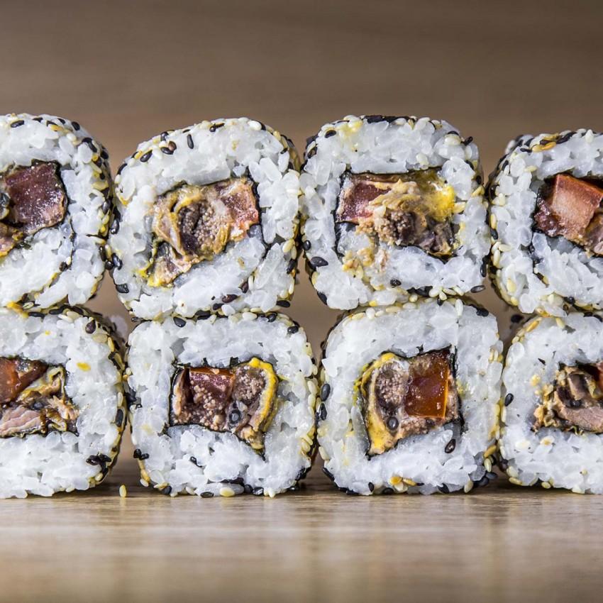 Yatsumeunagi Spicy Maki